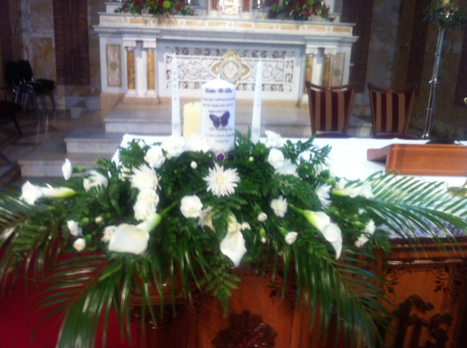 Altar arrangements from - € 40
