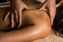 thumb_massage-closeup-view-charming-lighting-50146752